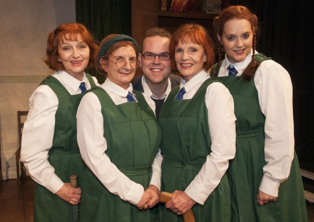"""""""Daisy pulls it off"""" upstairs at the Gatehouse Highgate. Paddy Glynn,Norma Atallah,Director Thom Southerland,Susan Travers & Suann Braun"""